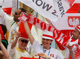 Polish pilgrims cheer as Pope Francis announces that World Youth Day 2016 will take place in Krakow, Poland. (CNS photo/Paul Haring)