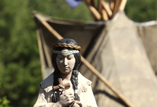 kateri-tekakwitha-statue-new-york-cns-nancy-phelan-weichec-home