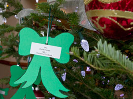 usccb-giving-tree-ornament-cns--nancy-phelan-wiechec